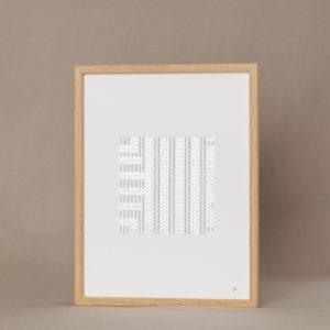tableau brodé de paillettes blanches sur papier